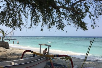 Boot-am-Strand-Gili-Air