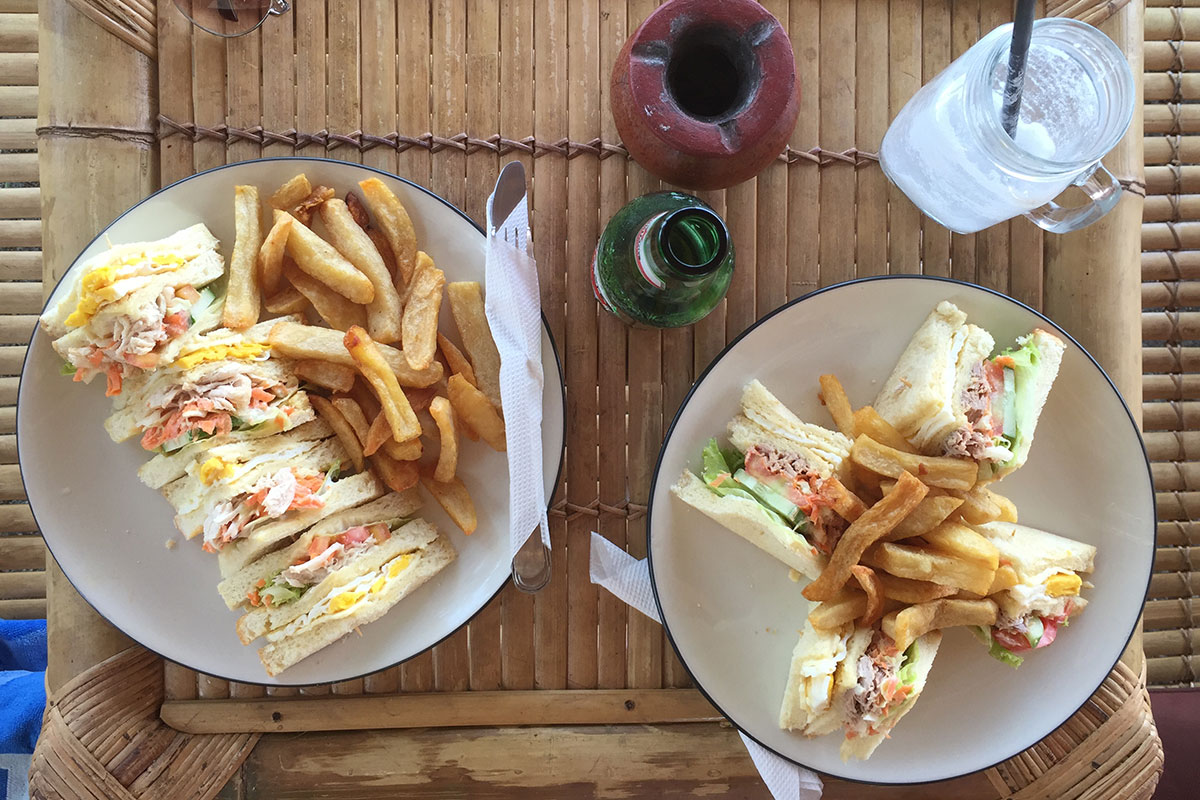 sandwiches-legend-bar-gili-air