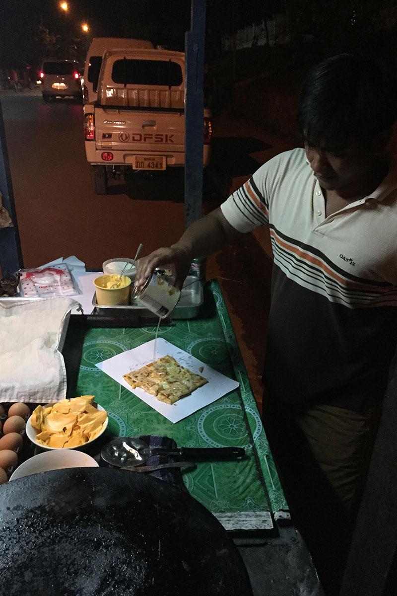 Der laotische Milchmädchenpfannkuchen macht süchtig.
