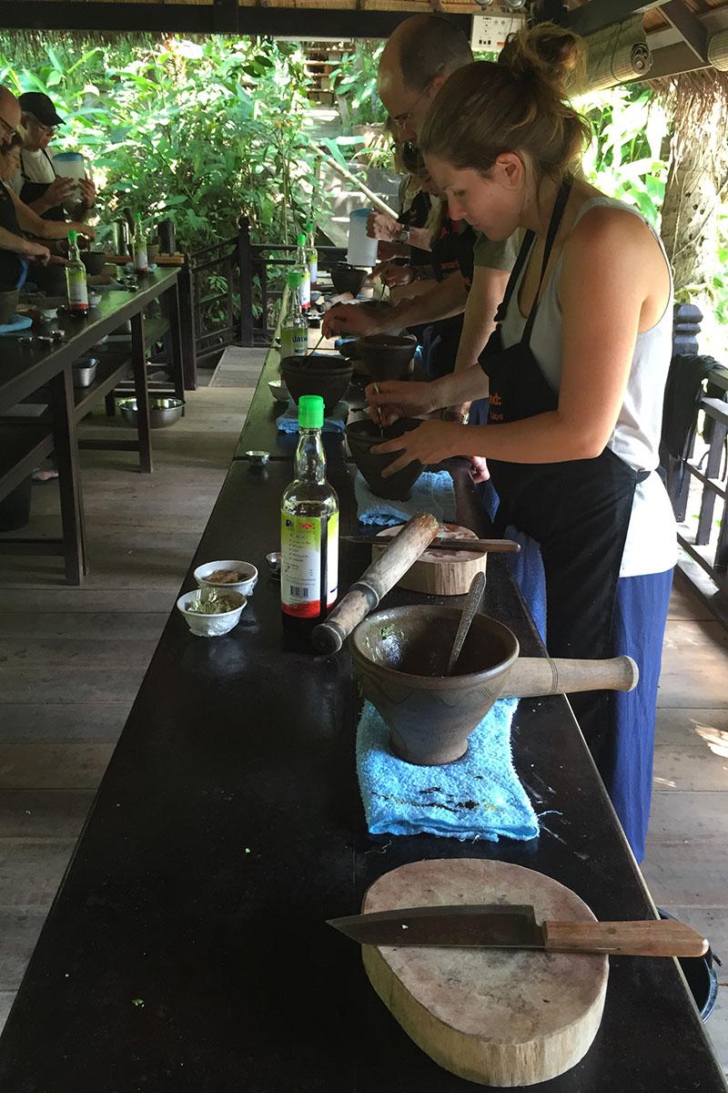 Angélique stiehlt mit ihren Kochkünsten allen die Show.