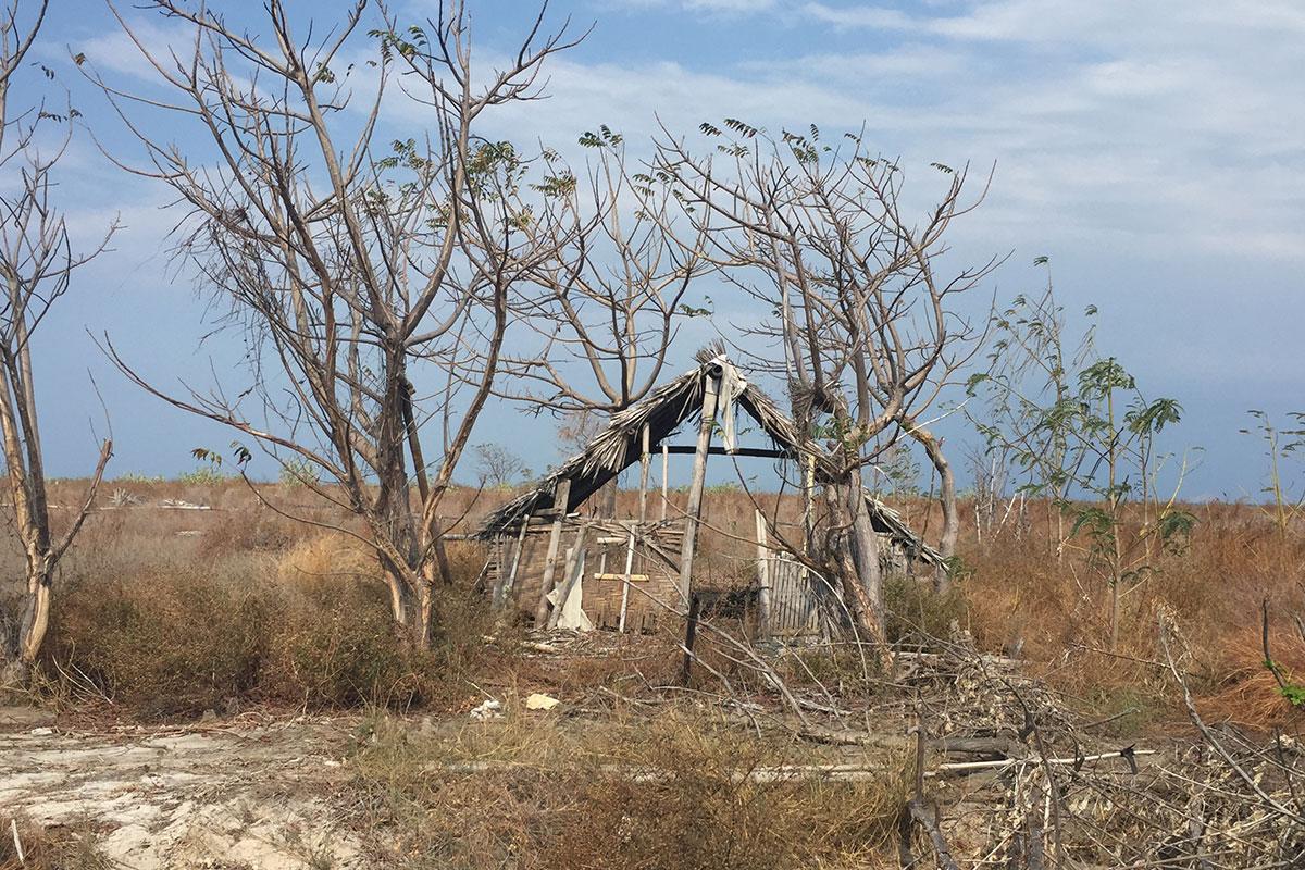 Verlassene Häuser auf einsamen Inseln entdecken.