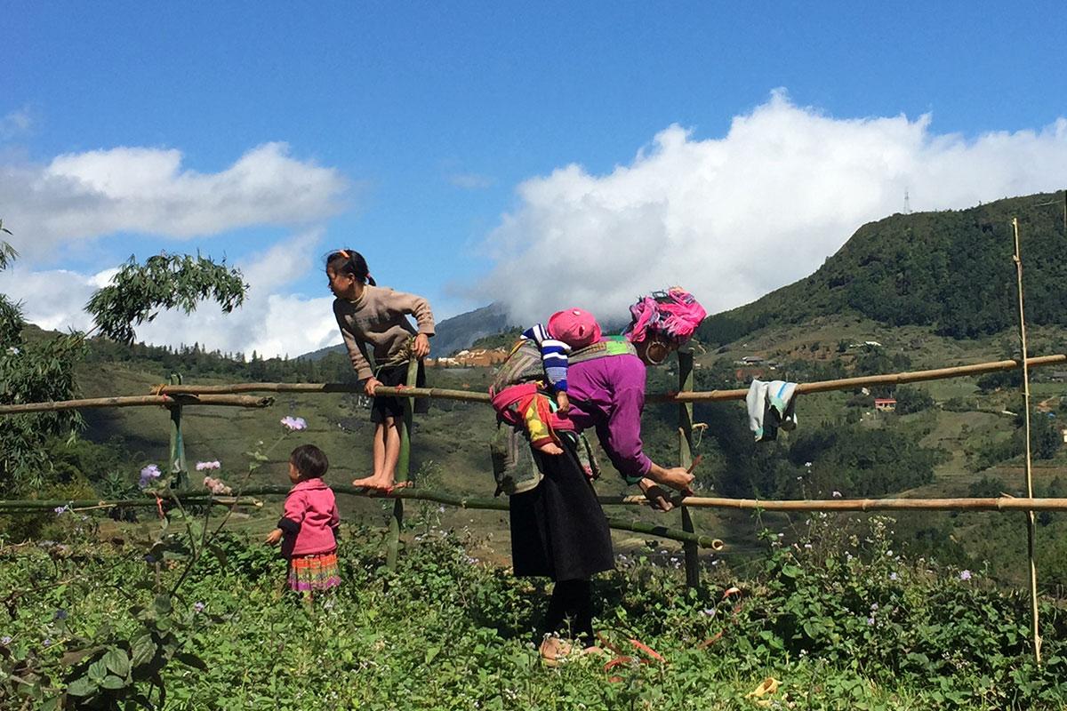 bauernfamilie-hmong-sapa-vietnam