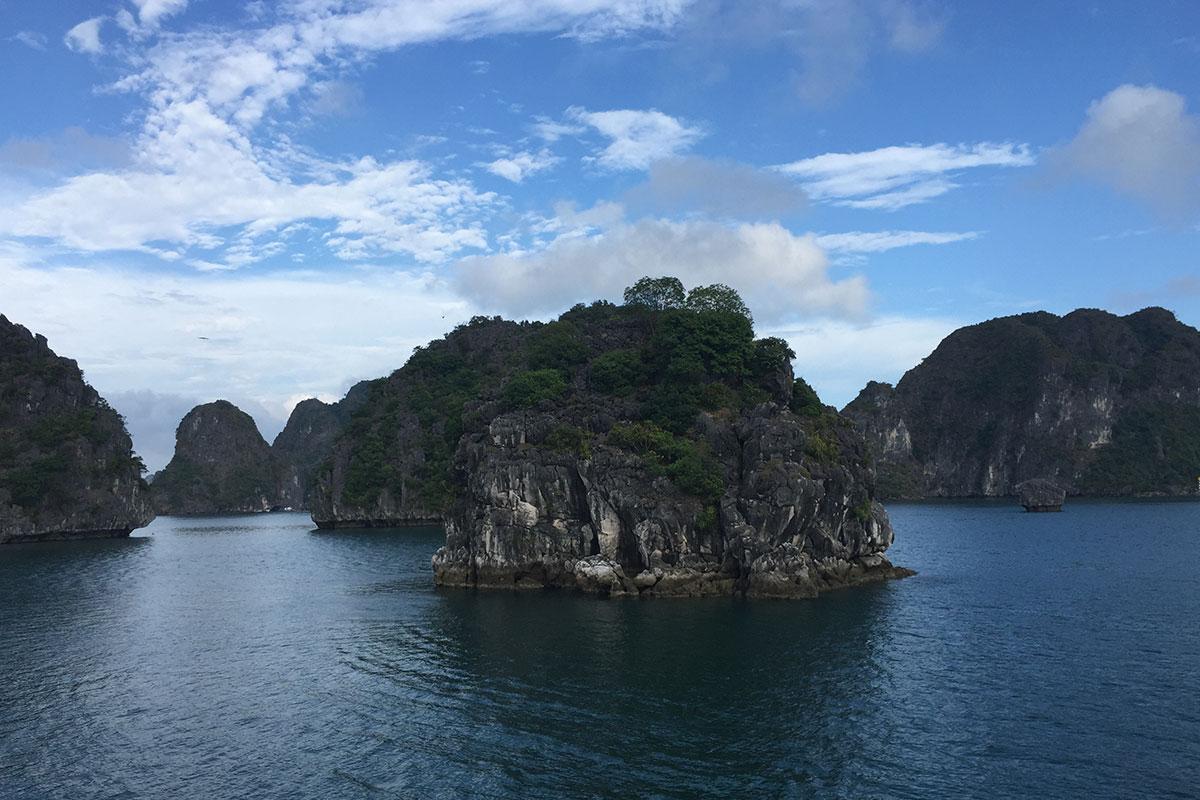 halong-bay-kalksteinfelsen
