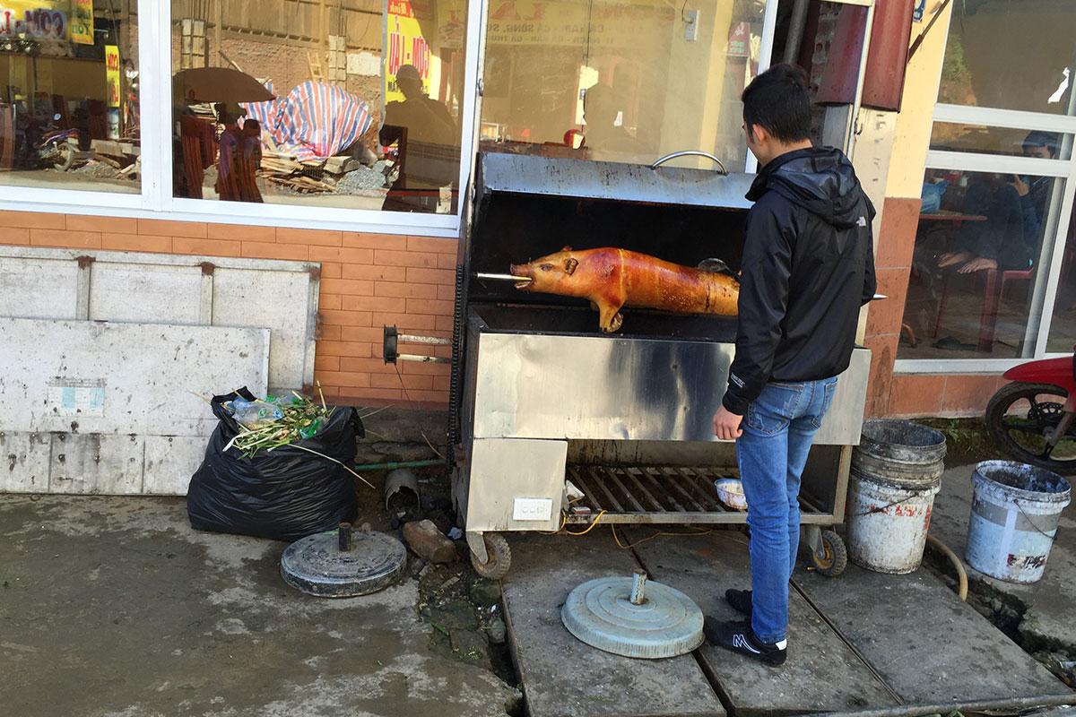 BBQ auf der Straße in Sapa.