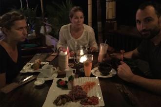 unzufrieden-beim-essen-kuta-lombok