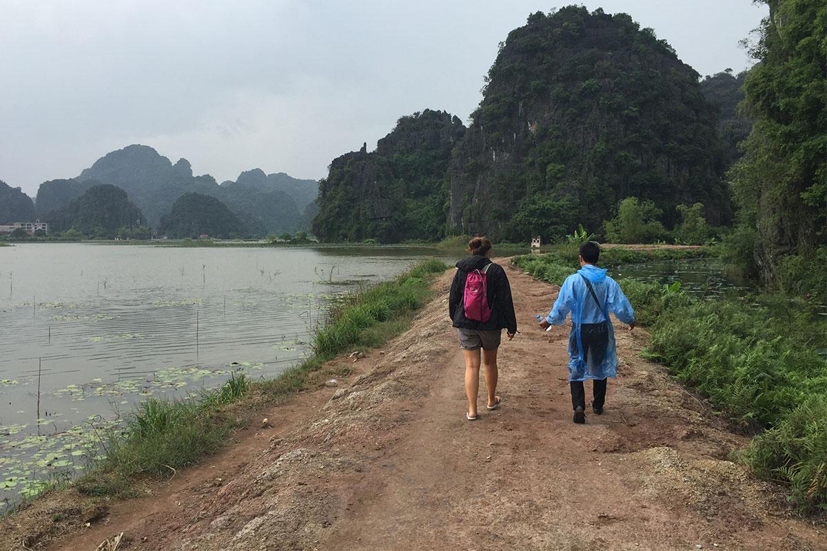 wandern-trockene-halong-bay-ninh-binh-vietnam