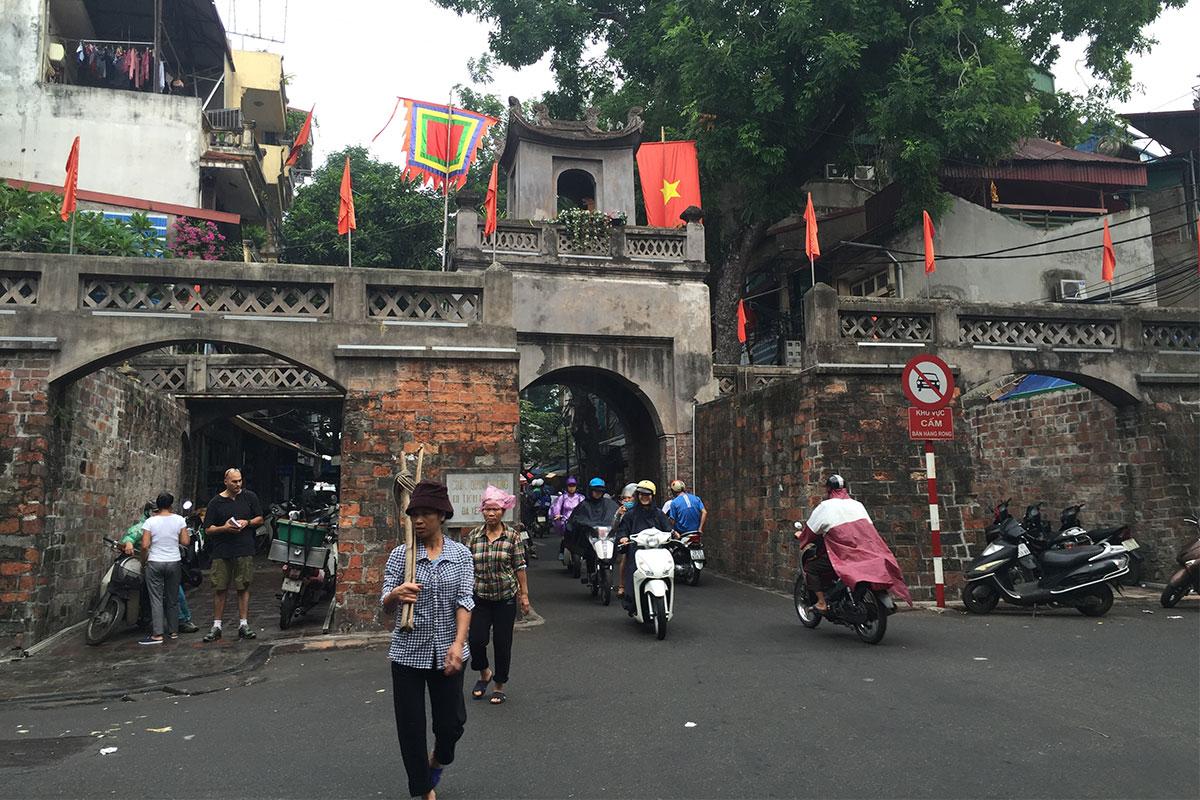 alte-bruecke-hanoi-vietnam