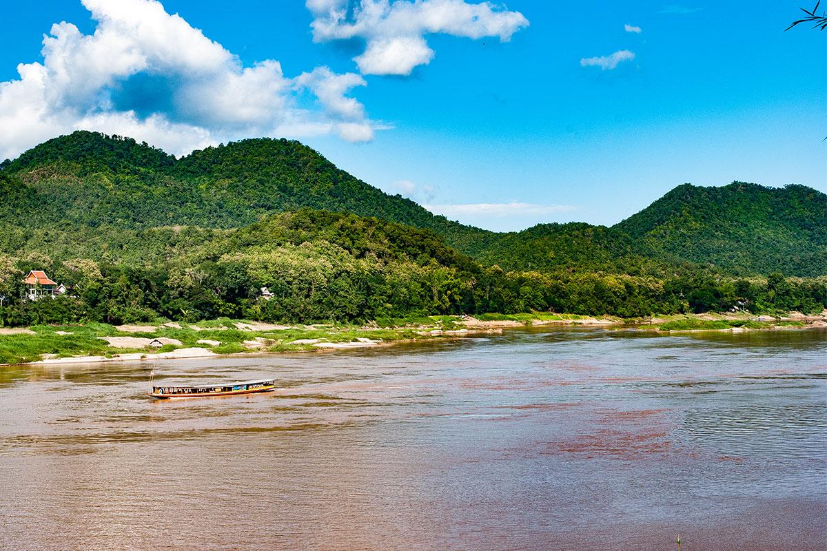 In Luang Prabang drei Tage lang dem Rhythmus des Mekong folgen und...