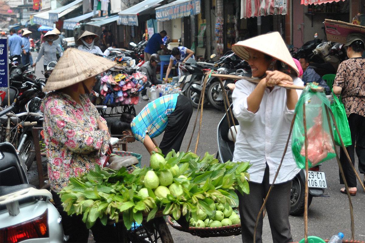 gemueseverkaufer-hanoi-vietnam