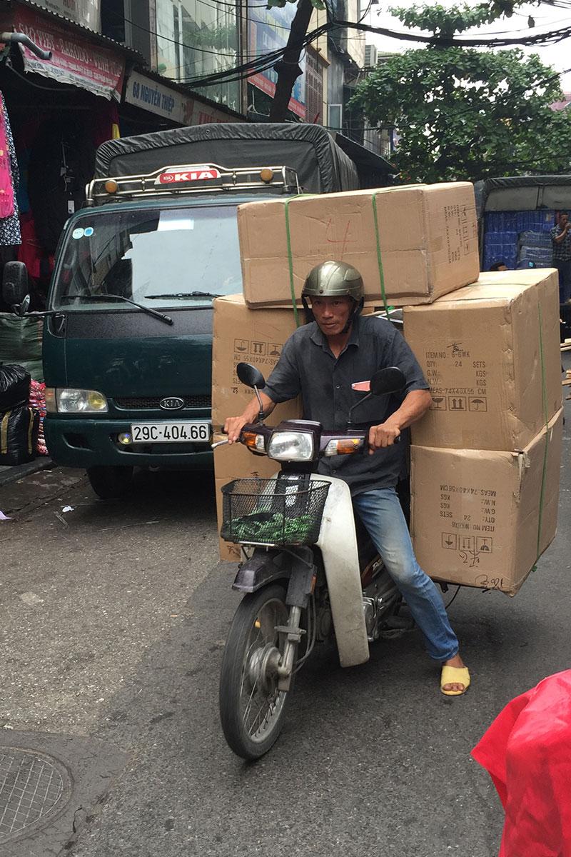 transport-hanoi-vietnam
