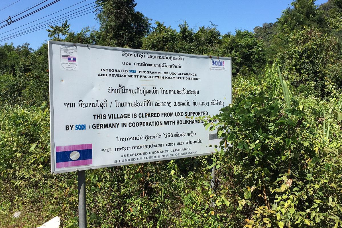 strassenschild-thakhek-laos