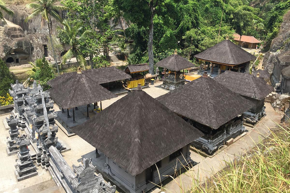 tempelanlage-hauser-Tempeltour-in-Bali