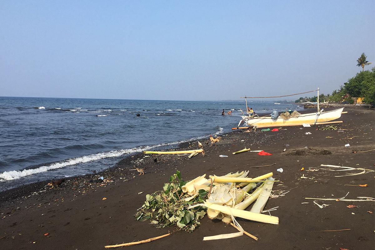 Am-Meer-Munduk-Bali