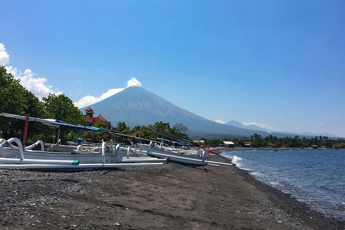 Amed-Blick-auf-Vulkan-Bali-Sidemen