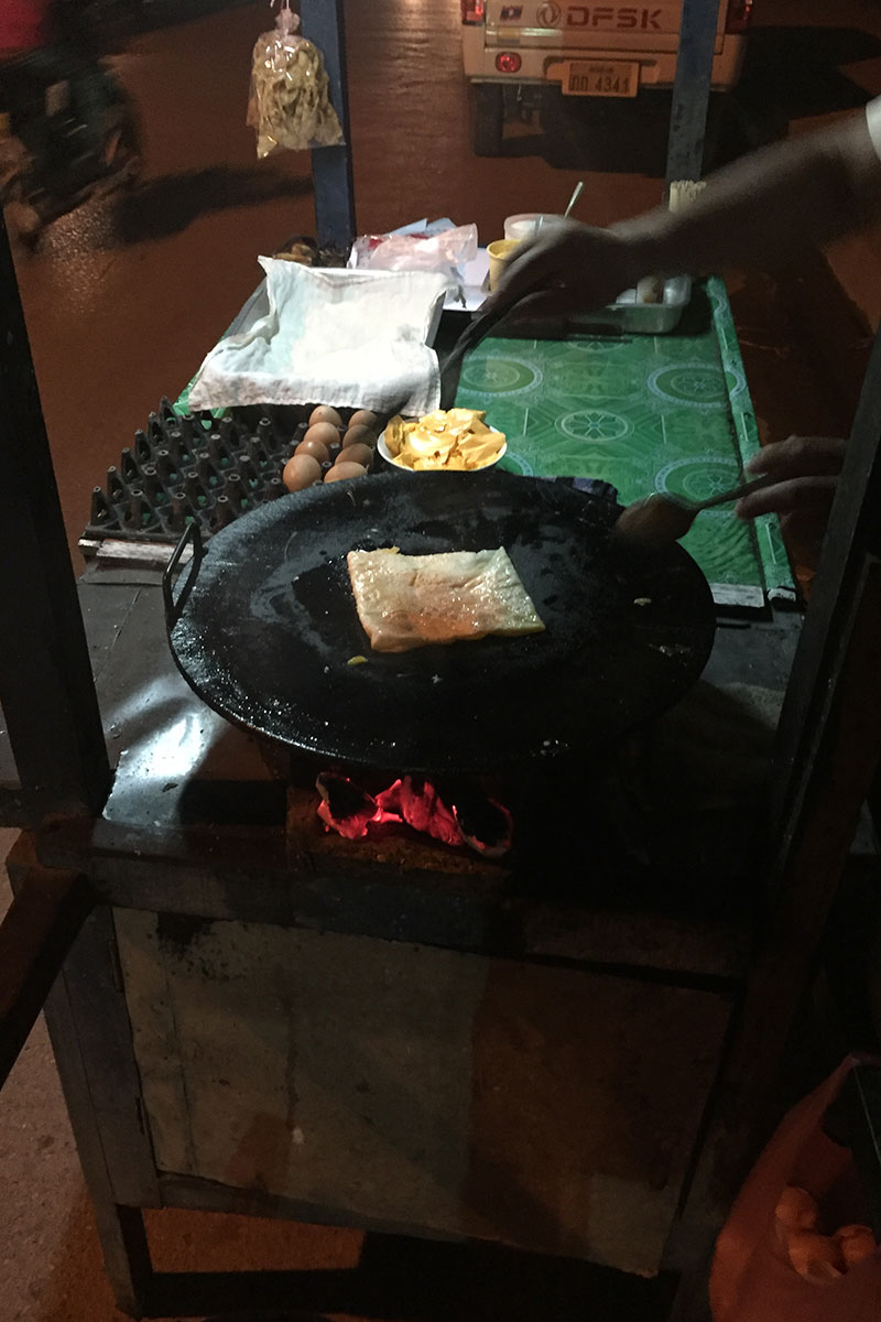 frittierte-Bananenpfannkuchen-laos-gefaltet