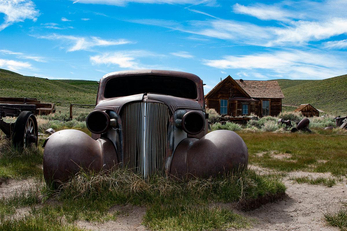 altes-auto-30er-jahre-ghosttown-bodie-kalifornien-usa