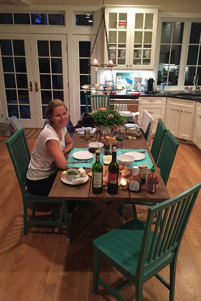 Der erste Abend im Haus am See mit köstlichem Speis und Trank.